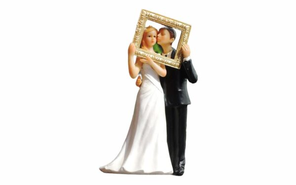 Nevesta so ženíchom s rámikom - svadobné figúrky na tortu -