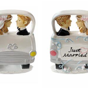 Novomanželia v aute - svadobné figúrky na tortu - Wilton